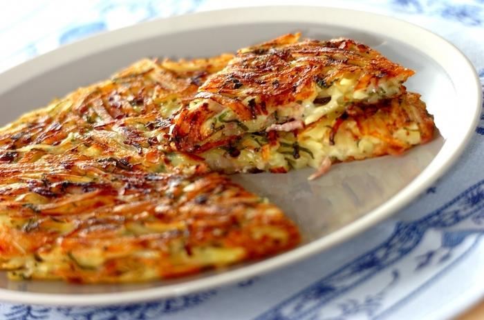 大葉を洋風にアレンジしたしっとり美味しいガレットレシピ。チーズと大葉の相性に驚かされる新鮮なレシピですよ。