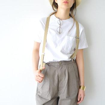シンプルなパンツやスカートをただ着こなすだけよりも、サスペンダーを一つプラスするだけでおしゃれ度がグッとアップ♪でもサスペンダーって難しそう……と感じている方も多いのでは。 そこで、サスペンダー付きのボトムスを取り入れた、素敵な大人コーデをご紹介します。ぜひ参考にしてみてくださいね。