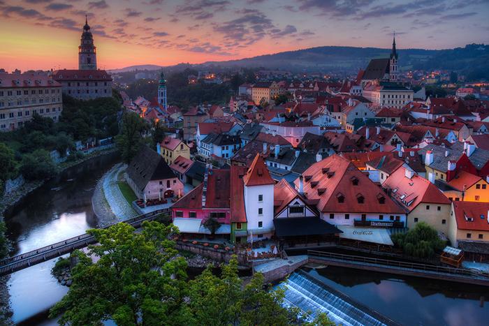 宝石箱のような美しいチェコの世界遺産…チェスキー・クルムロフで街歩きを楽しみませんか?