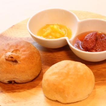 ジャムで有名な「沢屋」の系列レストランということで、ランチタイムもパンとジャムのセットを注文可能。果実とお砂糖のみで作られたフルーティーなジャムは絶品です。