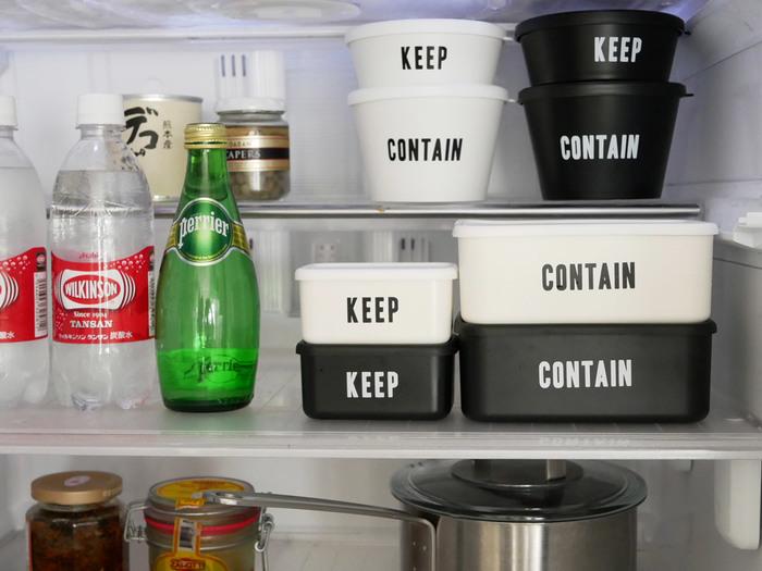 スタッキングできるので、限られた冷蔵庫内のスペースを積み上げて有効活用出来ます。冷蔵庫にいくつか並べて入れても、モノトーンなのでスッキリ!使わないときも重ねて収納できる、優秀保存容器です。ふたを外せば電子レンジと食器洗い乾燥機が使用可でとっても便利!