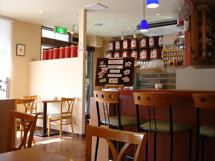 「ティーハウスマユール宮崎台店」は、田園都市線宮崎台駅北口から徒歩2分ほどの所にある紅茶の専門店。インディアティーやセイロンティーなど、本場の味が楽しめます。