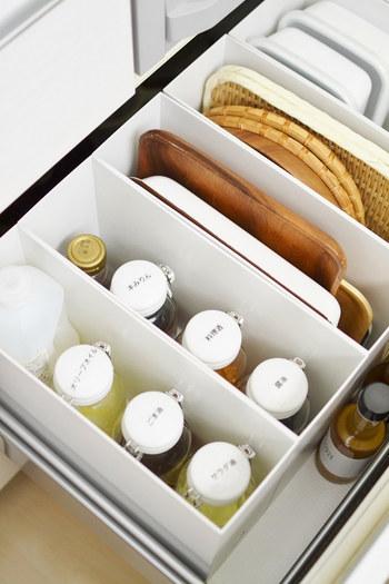 パントリーをつくれない…という場合は、今ある収納を最大限使いこなしましょう。  人気ブロガーさんの間でも、キッチン収納に無印良品やニトリ、100円ショップのアイテムが多く使われています。