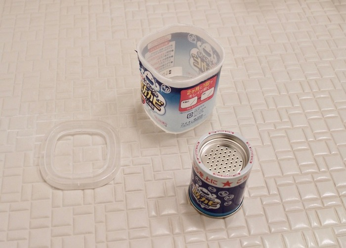 浴室掃除が終わったら、防カビ剤でカビを予防しておくのがおすすめです。定期的に行えばカビの発生が抑えられるので、カビ取り剤を使った掃除をする必要がなくなります。