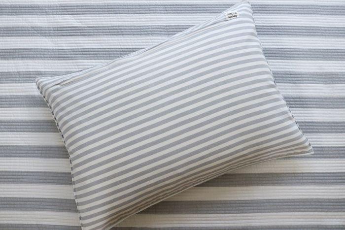 快眠のポイントになるのが、心地良く眠ることができる寝具選び。何となく好みで選んでいた…という方も多いのではないでしょうか。でも、色や素材などを意識することで眠りの質まで変わるかもしれません。