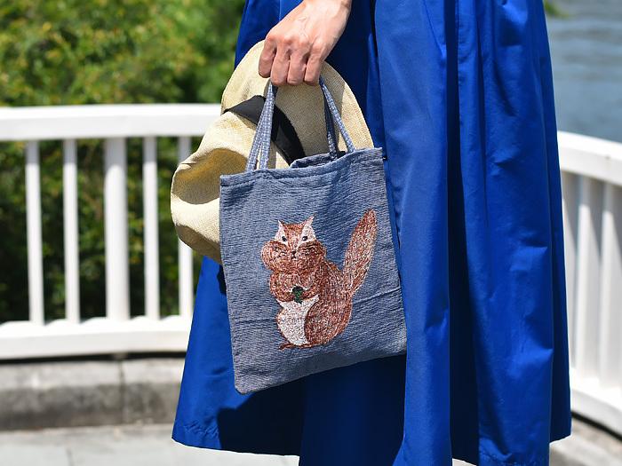 バッグの中身は今のあなた自身を映し出すもの。スッキリと整っていれば、心身ともに健康で、仕事もプライベートも順調かもしれません。反対に、いつ入れたか分からない荷物や、捨て忘れているゴミが入っていたら、要注意です。持ち物をミニマムにするための「バッグの整理方法」「バッグの中身リスト」「バッグの中身を洗練させる方法」をご紹介します。