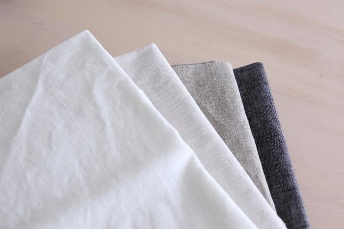 麻が一番グレードが高く、木綿、レースと続くそうです。また、色は白がフォーマルで、色が濃くなるにつれてカジュアルになります。