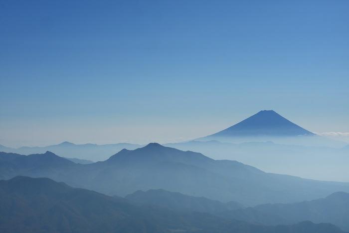 遠くには富士山も。サンメドウズ清里は、清里エリアの中でも1番標高が高いので、気温差をはっきり感じられます。