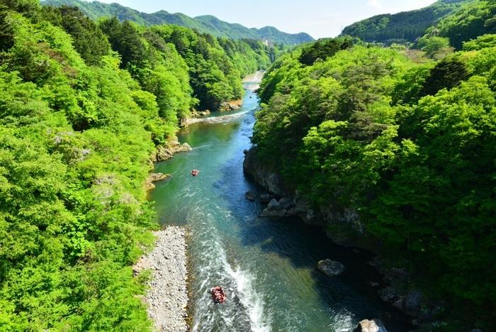 鬼怒川のせせらぎと渓谷美を体験!「鬼怒川温泉」で水と緑と温泉の癒やされ旅へ
