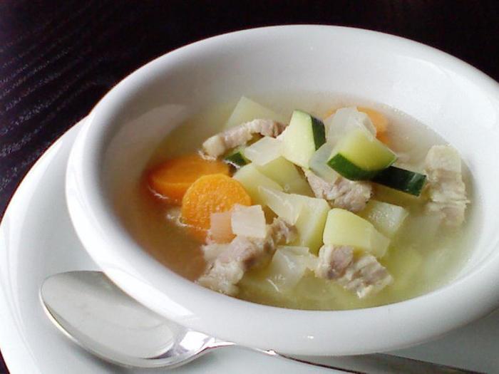 深い味わいが魅力のパンチェッタは、パスタやリゾットはもちろんのこと、スープの具材にもおすすめです。お好みの野菜・パンチェッタ・コンソメがあれば、忙しい朝も手早く簡単に美味しいスープが作れますよ。