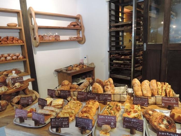スイーツ系のパンだけでなく、お惣菜系パンも豊富に揃っているのが嬉しいところ。一見ハード系に見えますが、なかはもっちりとした食感で、お子さんでも食べやすいですよ。