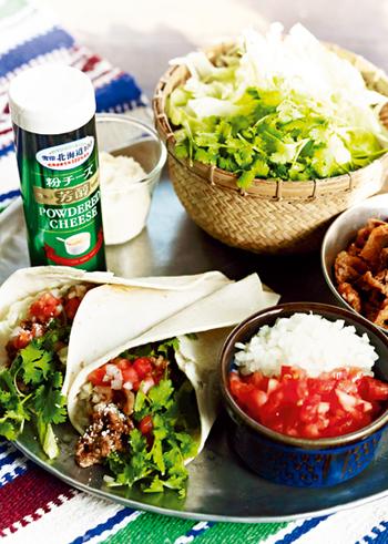 牛肉細切れ肉とたっぷり野菜の食べ応え満点のタコス。下味をしっかりつけるのが、おいしさのポイントです。