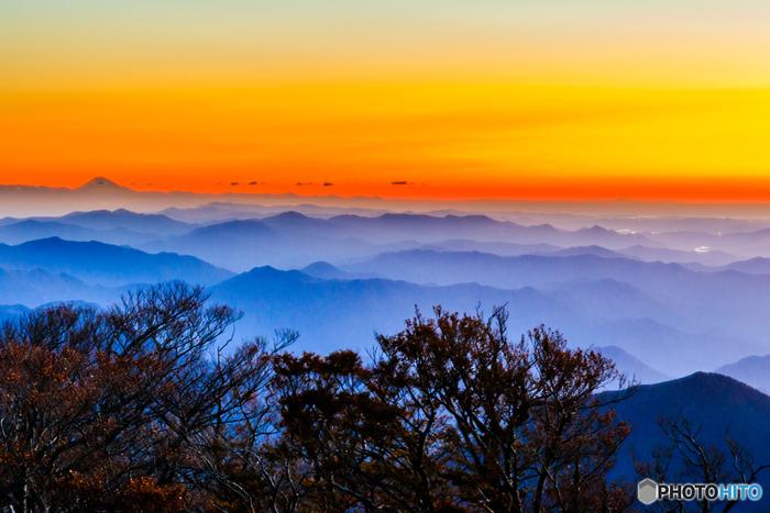 天候に恵まれると大台ケ原山の山頂からは、日本最高峰の富士山をも見渡すことができます。