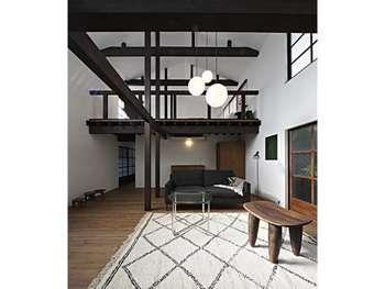 10棟ある町屋は2階建て。いずれも洗練されたデザインが高評価です。予約時にお好みの町屋を選んで。  お宿でほっこりと古の京都を感じるのも素敵ですね。