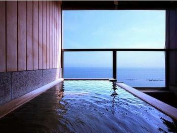 客室露天風呂は眺め最高。一面に広がる広大な海を見ながらの入浴は、「北海道に来てよかった〜」と感じる至福のひと時です。一面に広がる海と温泉が自分だけのものになります。