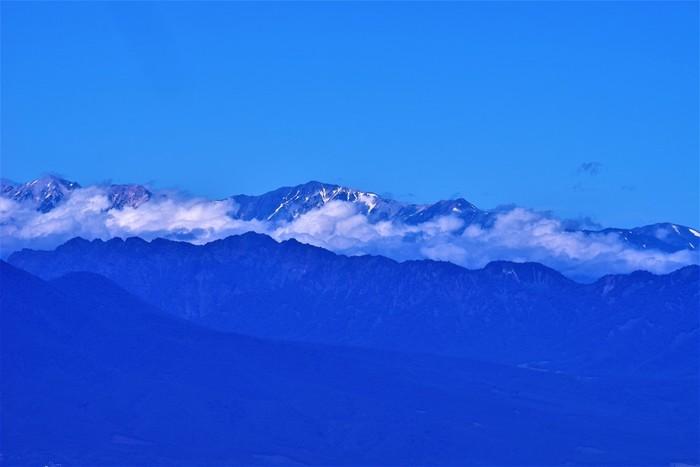 下界のお天気が悪くても、ここのお天気と違うこともよくあります。2018年の雲海発生率は64.3%とのことで、運がよければ雲海を見下ろす幻想的な体験も楽しめるかもしれません。