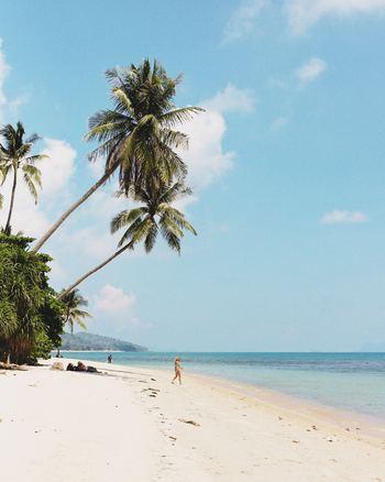 「夏休みは何をするの?」と北欧の人々に聞くと、「旅行するよ」と答える確率も高いですよ。夏を求めて南の島へ出かけたり、長い休みを利用して少し遠めの国に出かけたり、親戚を訪ねたり、それぞれの旅行を楽しみます。