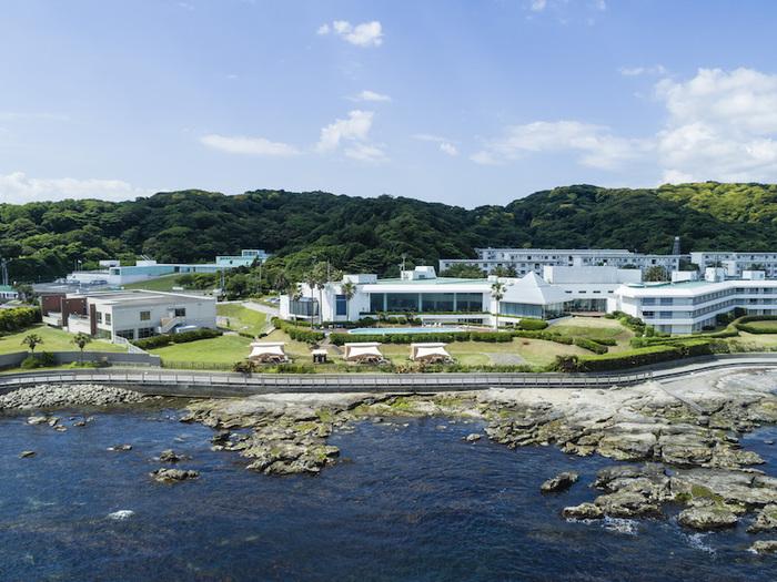 その「スノーピーク」と三浦半島の観音崎京急ホテルがタッグを組むことで誕生したグランピング施設が、「snow peak glamping 京急観音崎」です。