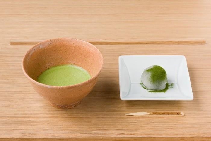美味しいお茶もゆっくりと味わえます。茶鑑定士が全国から選び抜いた本物の味を、ぜひ体感してみてください。