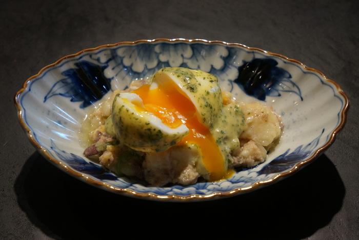 ポテトサラダが添えられているウフマヨ。濃厚な卵の黄身がソースとなりポテトサラダと見事にマッチ。一見こってりとしているようですが、酸味の効いたマヨネーズがさっぱりとまとめてくれています。
