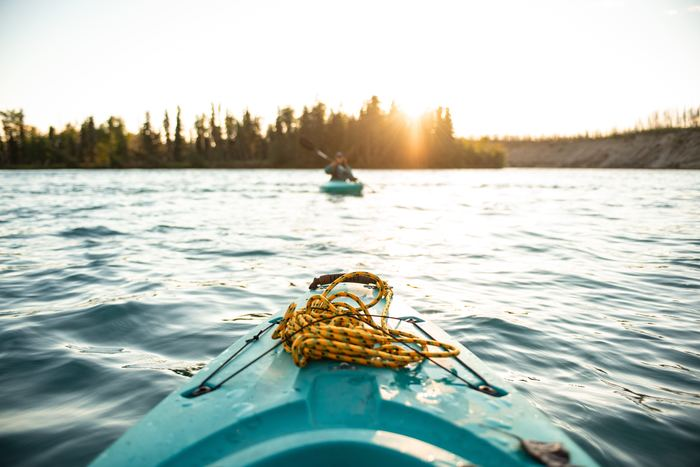 クルーズや釣りだけではなく、北欧ではカヤックも夏の間とても人気です。家族全員で子供からおじいちゃんやおばあちゃんまで、アクティブに楽しみます。