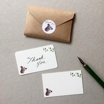 花言葉を英語にすれば、愛の言葉でもぐっと贈りやすくなりそうです。可愛いカードに英語の花言葉を添えて、一緒に贈ってみましょう。スペルミスにはご注意を。