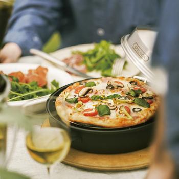 女子ならみんな大好きなピザ。みんなで色々な具をのせて楽しみたいお料理の一つですよね。