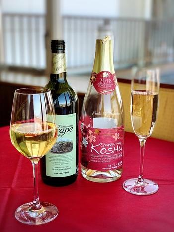 創業から140年以上、ぶどうの栽培から醸造、販売まで、全て一貫した手作りにこだわっているワイナリーのワインを、繊細なフレンチを共にゆったりといただきましょう。