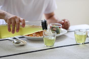 茶葉は、旨味を多く含む上級茶を使うのがおすすめです。お茶本来の風味や旨味を存分に味わえますよ。