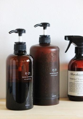 こちらのブロガーさんは、信頼する美容師さんにすすめられた「SUCALL(サンコール)」のR-21シリーズのシャンプー&トリートメントを愛用中。地肌を健やかに整えてくれ、髪も長く使うほどにツヤやコシが出てきて効果を実感できるそう。  ネットや小売店などで手に入りやすいリーズナブルで便利なアイテムでも、イメージ通りの効果が得られないようでは意味がありません。 行きつけの美容のプロにすすめられたものを一度使ってみるというのも、失敗のない選択かもしれません。