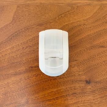 シンプルな無印の携帯用ビューラーです。 見た目がすっきりとしていて、とてもコンパクトなので持ち歩く時にポーチに入れても邪魔になりません。  替えゴム&収納ケース付きで、機能性もばっちりです。