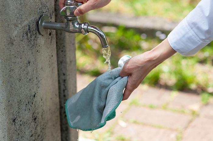 さらに嬉しい機能として、こちらのタオルは濡らすことで、冷感がアップするので、子どもと公園で遊ぶときに持っているととっても便利。