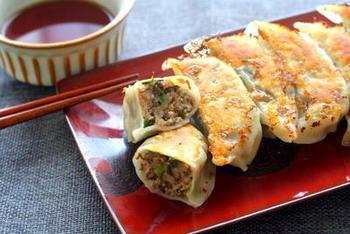 こちらは活きもずくを使った餃子のレシピです。豚肉ともずくは意外に相性がよく、パクパク食べられます。
