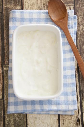 肉にも野菜にも合うヨーグルト。玉ねぎを漬けて玉ねぎヨーグルトにしておけばお通じを良くしたり、脂肪の吸収を抑えたりといった効果も期待できるんだとか。ぜひ活用したいですね!