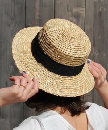 魅力にはまるといくつも集めたくなる帽子。お気に入りを見つけて、夏のおでかけのお供にしてくださいね。