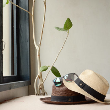 「でもどういう帽子をどんな服に合わせればいいのか分からない・・」という帽子初心者さんのために、素敵な帽子コーデを集めました。きっと被りたくなる帽子が見つかりますよ!