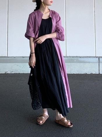 ボリューム感があるので、パンツやスカートなど合わせるアイテムを選びません。ロング丈のワンピースとの上にさらりと羽織ったりと、これ一枚でさまざまな着こなしが楽しめます。