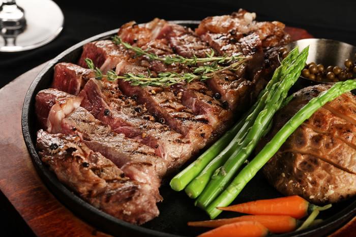 """ひと手間で美味しさが変わる。覚えておくと役立つお肉の""""下ごしらえ""""の基本"""
