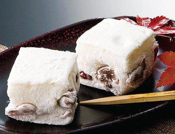 第22回全国菓子大博覧会にて名誉総裁賞受領。3,000m級の山々に降り積もった雪水から流れ出る水を使い米を育て、富山の風土の恩恵を得て作り上げられたお菓子は、お土産にぴったりです。