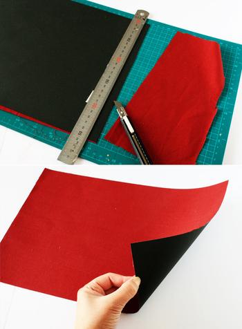 布だけで仕上げる場合は織り込み部分を縫う必要があるので、画用紙や少し厚手の紙の上に両面テープで布を張り付けた素材を用意します。