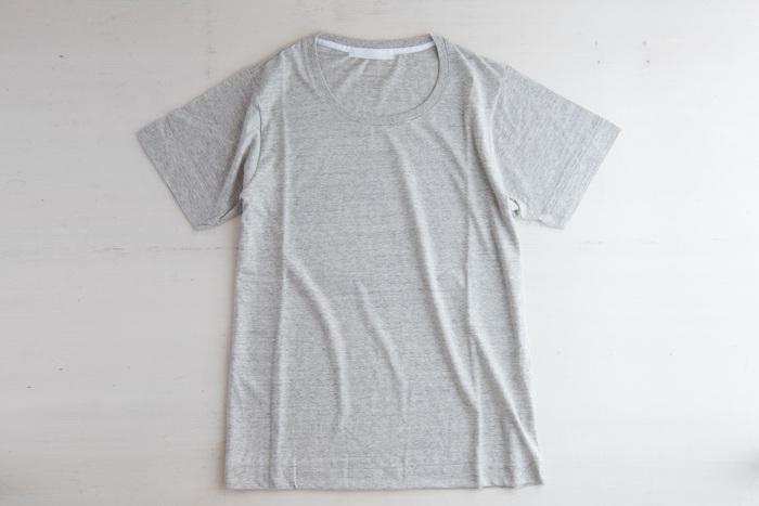 「Tシャツ」のお洗濯どうしてる?ヨレヨレ首元じゃカッコ悪い《洗濯のコツ》をおさらい