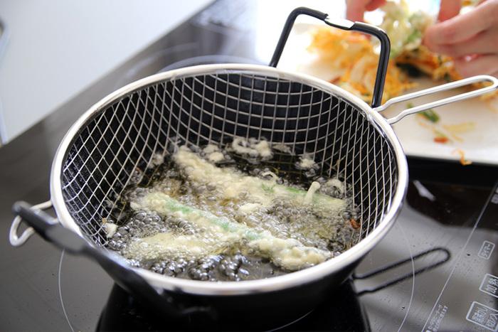 いかがだったでしょうか?しっかりコツさえマスターすれば家でもお店のようなサクサクの天ぷらを揚げることができますよ。揚げ物を怖がらず是非この機会にしっかりマスターしてみてくださいね。