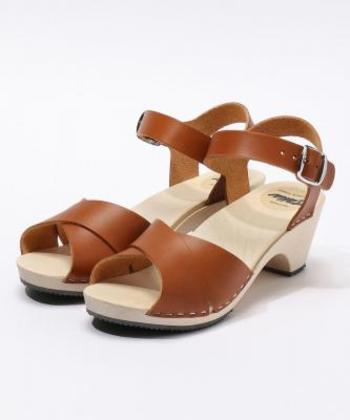 フィンランド発の「Talla(タッラ)」は、フィンランド産の白樺のソールです。フィンランドの伝統的な木製の靴「ウッドクロッグ」は、家族経営の決して大きくはない工場で、一つ一つ手作りされています。