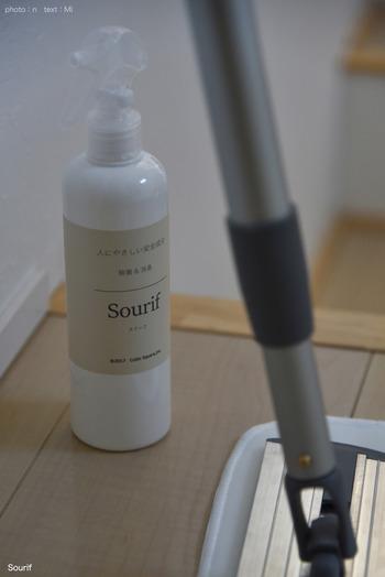 食品に直接噴射しても大丈夫という除菌消臭スプレー。床掃除の仕上げにもおすすめです。