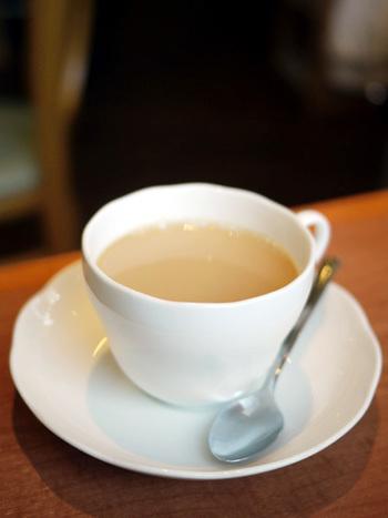 そして、こちらに来たらもちろん紅茶も外せません。メニューも豊富で、セイロンティーやオリジナルブレンド、チャイ、ミルクティー、ハーブティーなどがあります。何度も通いたくなってしまうお店ですね。