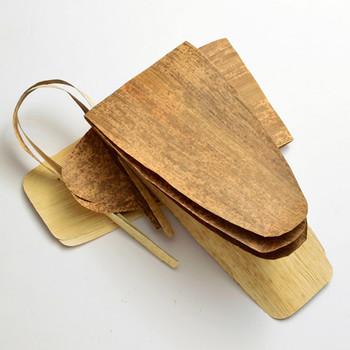 しかし、地方に伝わったり、時代とともに、笹の葉や竹皮など、さまざまな葉が使用されるようになりました。