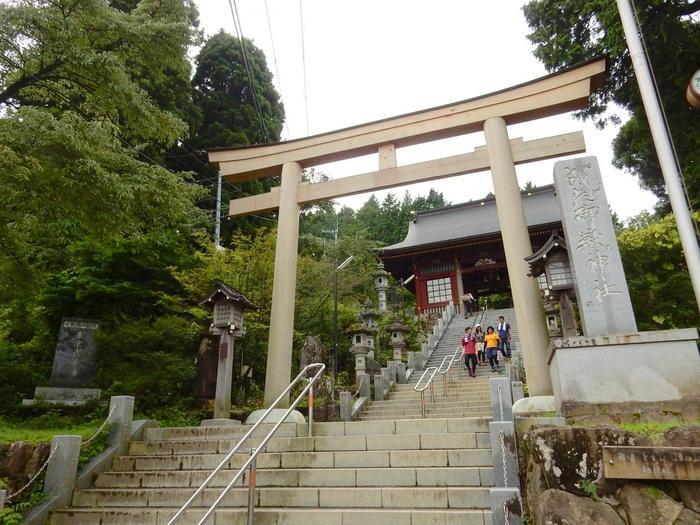 崇神天皇の時代に創建されたと伝えられている武蔵御岳神社。古くから関東の霊山として信仰され、盗難除けや魔除けのご利益があるとされています。