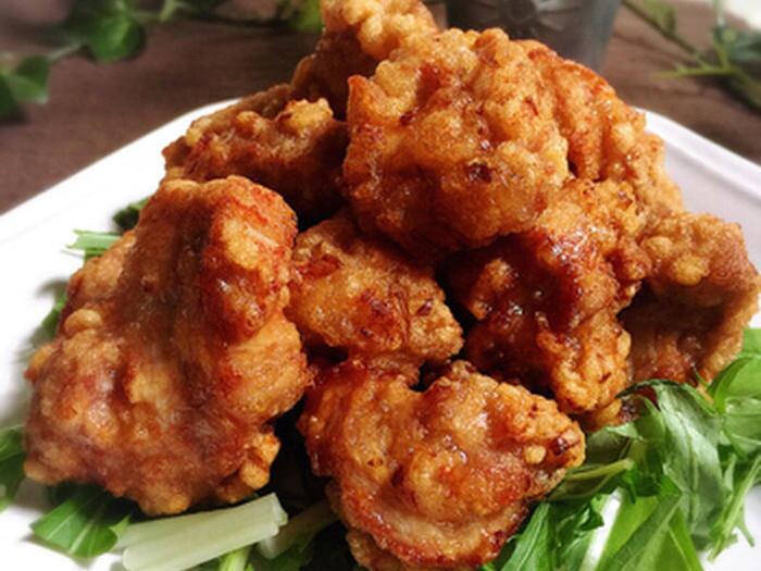 あっさりとしているけど、旨味がある豚ヒレ肉を使った鶏肉の唐揚げのような王道の豚の唐揚げレシピです。下味も定番の調味料を使っていて、ごはんのおかずにぴったりです。
