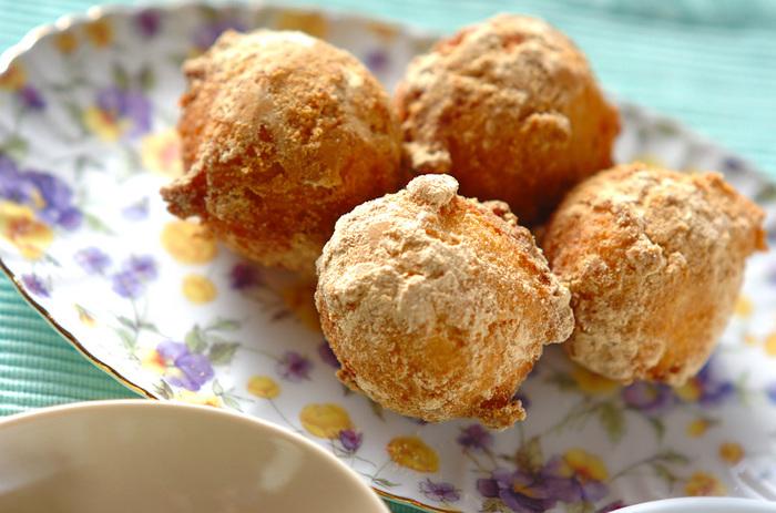 おからと豆乳で作る「おからドーナツ」。ヘルシーな上にホクホクで美味しい!お子さんのおやつにもオススメですよ。
