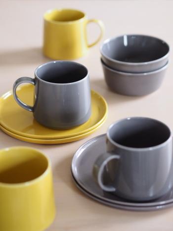 食器はプレートやカップ、ボウルなど様々なアイテムがあります。和食器などはスタッキングに不向きなものもあります。使う時間帯や人によっても、使うアイテムが変わることもあります。何を「一軍」とするかは、それぞれのおうちの一日の流れをじっくりと考える必要があります。